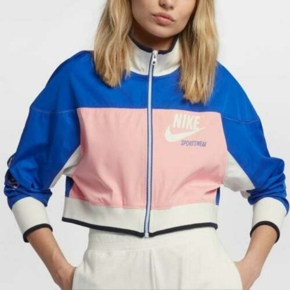 the latest 0a62a 12140 Nike Sportswear Archive Cropped Track Jacket. M 5c9f91a5d948a1fbfeeeefed